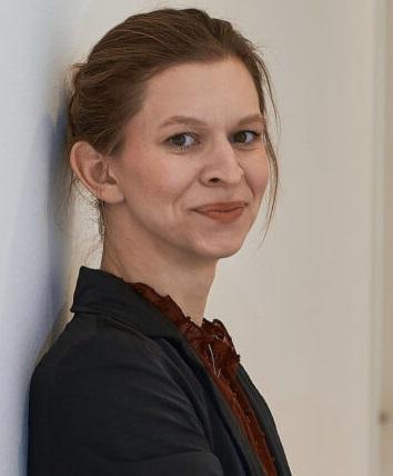 Stephanie Jakoubi Aspect Ratio 1 2 360x720 (1)a
